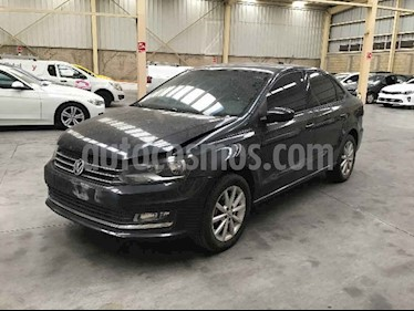 Volkswagen Vento 4p Highline L4/1.6 Man usado (2018) color Negro precio $107,000