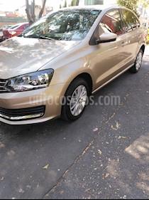 Volkswagen Vento Comfortline Aut usado (2017) color Beige Metalico precio $175,000