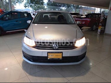 Volkswagen Vento 4P STARLINE AT A/AC. MP3 R-15 usado (2018) color Plata precio $150,000