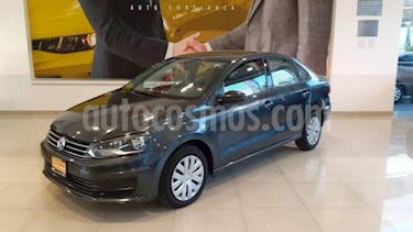 Volkswagen Vento 4P STARLINE AT A/AC. MP3 R-15 usado (2018) color Gris precio $178,900