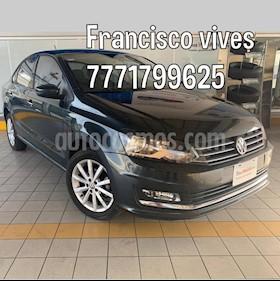 foto Volkswagen Vento Highline usado (2018) color Gris Carbono precio $209,900