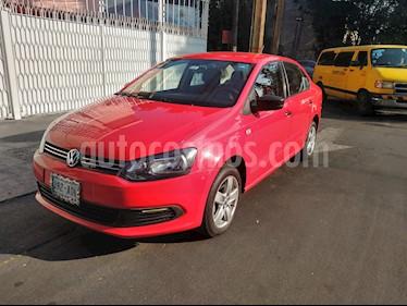 Volkswagen Vento Active Aut usado (2015) color Rojo Flash precio $125,500