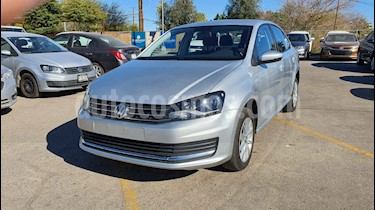 Volkswagen Vento 4p Confortline L4/1.6 Aut usado (2019) color Plata precio $179,800