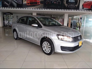 Volkswagen Vento 4P STARLINE AT A/AC. MP3 R-15 usado (2018) color Plata precio $155,000