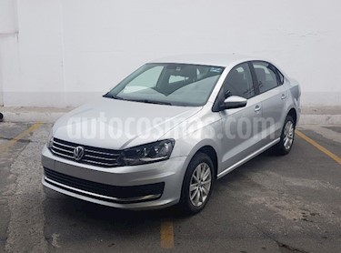 Foto Volkswagen Vento Comfortline Aut usado (2018) color Plata precio $198,000