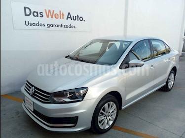 Volkswagen Vento 4p Confortline L4/1.6 Aut usado (2019) color Plata precio $230,000