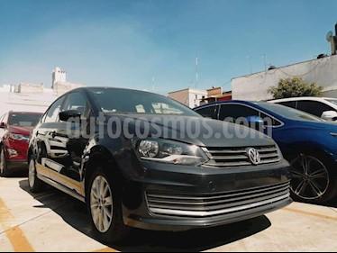 Foto Volkswagen Vento Comfortline Aut usado (2018) color Gris Carbono precio $171,800
