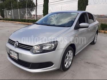 Volkswagen Vento 4P ACTIVE TM5 A/AC. CD MP3 RA-15 usado (2014) color Plata precio $125,000