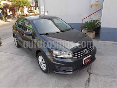 Volkswagen Vento Startline usado (2017) color Gris precio $120,000