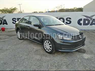 Foto Volkswagen Vento STARTLINE TIPTRONIC usado (2018) color Gris Oscuro precio $180,000