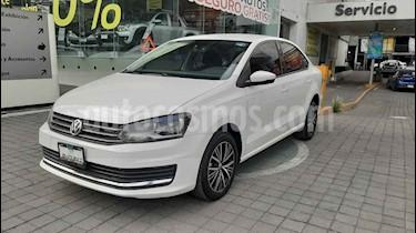 Volkswagen Vento Comfortline usado (2018) color Blanco precio $205,000