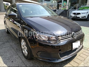 Volkswagen Vento 4P ACTIVE AT A/AC. CD MP3 RA-15 usado (2014) color Azul precio $135,000