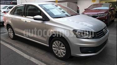 Volkswagen Vento Startline Aut usado (2018) color Plata precio $165,000