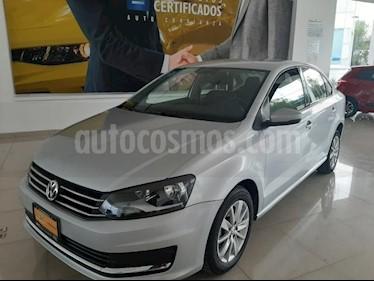 Volkswagen Vento 4P COMFORTLINE AT A/AC. MP3 RA-15 usado (2018) color Plata precio $173,900