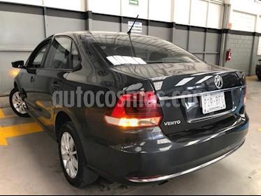 Volkswagen Vento 4P COMFORTLINE TM5 A/AC. VEMP3 RA-15 usado (2017) precio $160,000