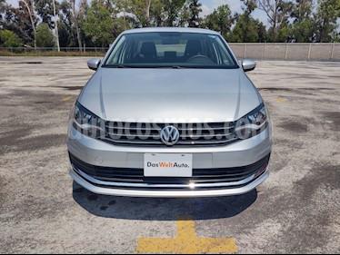 Volkswagen Vento Comfortline usado (2019) color Plata precio $229,000
