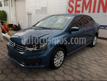 Volkswagen Vento 4P STARLINE AT A/AC. MP3 R-15 usado (2018) color Azul Marino precio $165,000