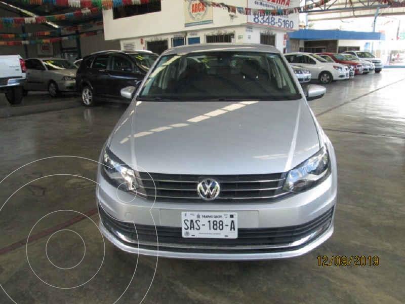 Foto Volkswagen Vento Comfortline Aut usado (2019) color Gris precio $235,000