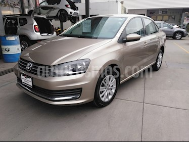 Volkswagen Vento Comfortline Aut usado (2018) color Bronce precio $185,000