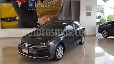 Volkswagen Vento 4P COMFORTLINE TM5 A/AC. VEMP3 RA-15 usado (2017) color Gris precio $174,900