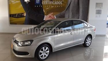 Volkswagen Vento 4P ACTIVE TD TM5 A/AC. CD MP3 RA-15 usado (2015) color Amarillo precio $138,900