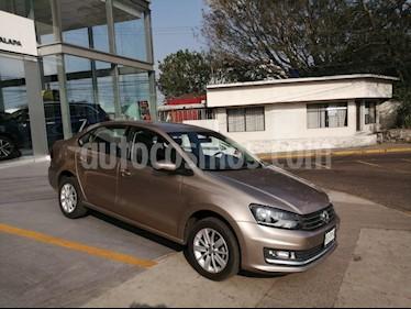 Volkswagen Vento Highline usado (2017) color Beige Metalico precio $158,000