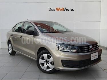 Volkswagen Vento Active Aut usado (2017) color Bronce precio $175,000
