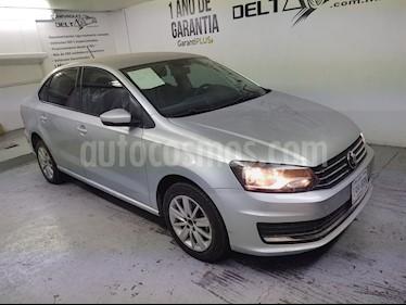 foto Volkswagen Vento Comfortline usado (2018) color Plata Reflex precio $168,500