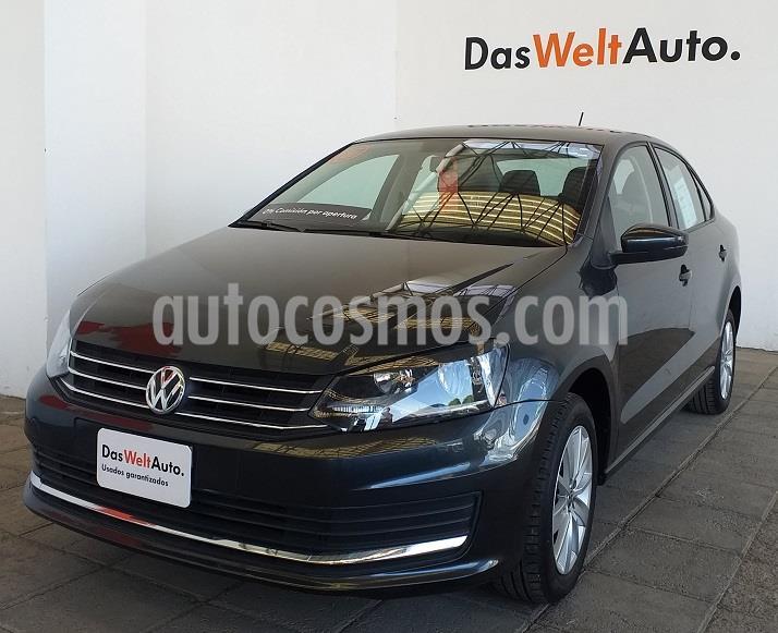 Volkswagen Vento Comfortline usado (2019) color Gris precio $220,000