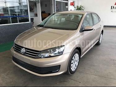 Foto Volkswagen Vento Startline Aut usado (2018) color Dorado precio $184,000