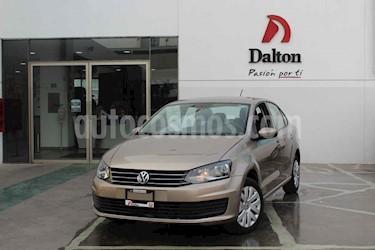 Foto Volkswagen Vento Startline Aut usado (2018) color Dorado precio $189,000