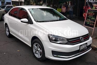 Foto Volkswagen Vento Startline Aut usado (2018) color Blanco precio $170,000