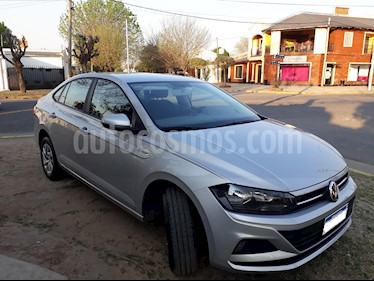 Volkswagen Virtus Trendline 1.6 Pack Safety usado (2018) color Plata precio $730.000