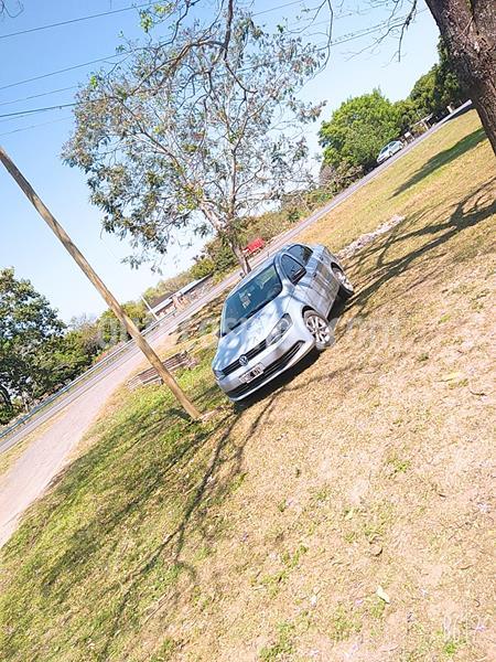 Volkswagen Voyage 1.6 Comfortline usado (2014) color Plata precio $670.000
