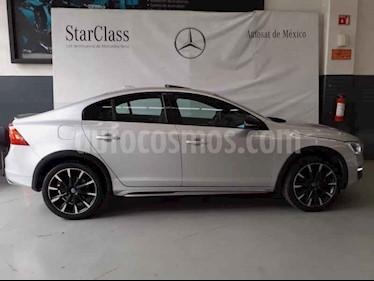 Foto venta Auto usado Volvo S60 Cross Country T5 AWD (2016) color Plata precio $338,000