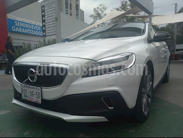 Foto venta Auto usado Volvo V40 Cross Country Inspiration AWD Aut T5 (2017) color Blanco Sueco precio $375,000