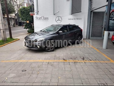 Foto venta Auto Seminuevo Volvo V40 Cross Country Kinetic (2013) color Gris precio $235,000