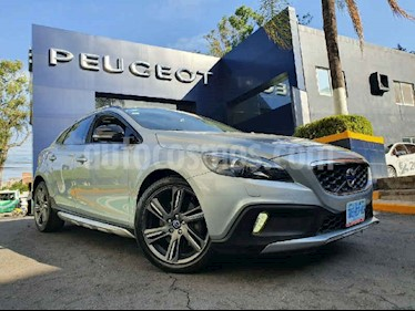 Volvo V40 Cross Country Evolution usado (2014) color Gris precio $229,900