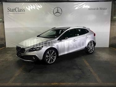 Foto venta Auto usado Volvo V40 Momentum T3 (2014) color Plata precio $259,000