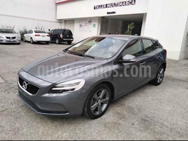 Volvo V40 5p Addition T3 L4/2.0/T Aut usado (2018) color Gris precio $436,396