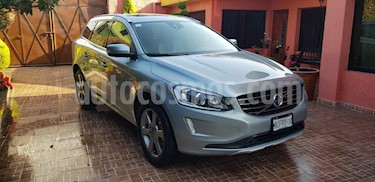 Foto Volvo XC60 2.0L T Kinetic usado (2014) color Plata Electrico precio $310,000