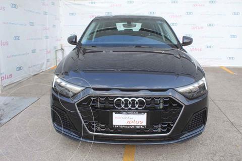 Audi A1 Version usado (2021) color Gris precio $575,000