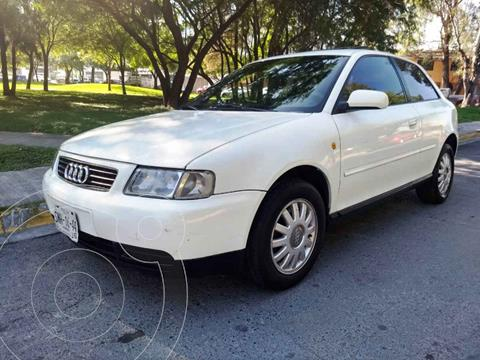 Audi A3 3P 2.0L Attraction  usado (2000) color Blanco precio $55,000