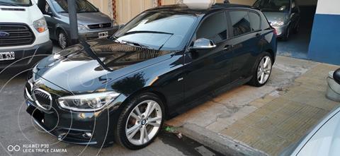 BMW Serie 1 118i Sport Line 5P Aut usado (2017) color Negro Zafiro precio u$s24.990