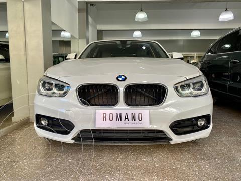 BMW Serie 1 120i Sport Line 5P Aut usado (2018) color Blanco Alpine precio u$s35.000