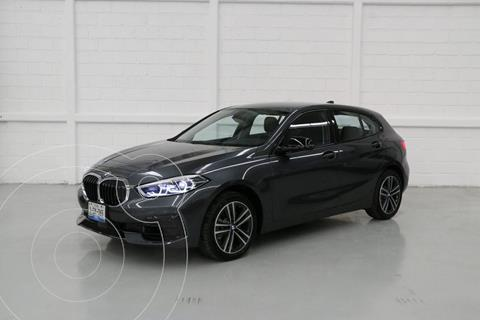 BMW Serie 1 5P 118iA usado (2021) color Gris Oscuro precio $712,500