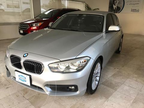 BMW Serie 1 3P 120iA Sport Line usado (2017) color Plata precio $305,000