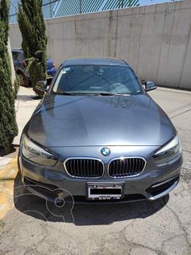 BMW Serie 1 5P 120iA Urban Line usado (2016) color Gris Mineral precio $275,000