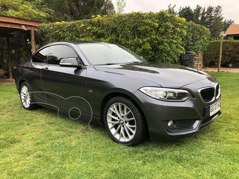 BMW Serie 2 220i  usado (2014) color Gris precio $15.000.000