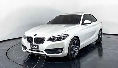 BMW Serie 2 220iA Executive Aut usado (2018) color Blanco precio $394,999